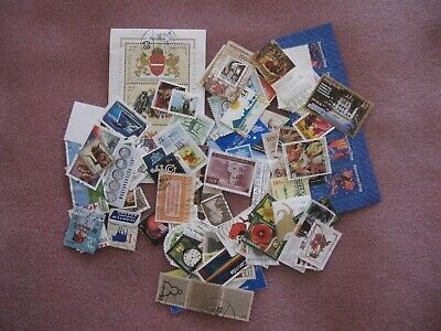 100 mixed world stamps.No repeats. Paper backs off. Canada,Hungary,USA etc.Used