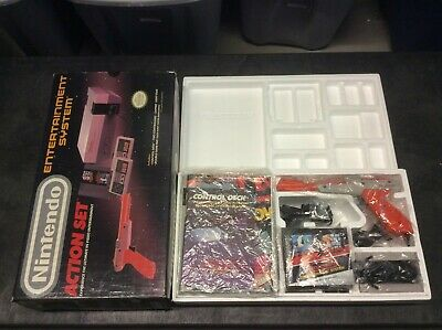 Nintendo Entertainment System Action Set Console NES CIB COMPLETE IN BOX!!