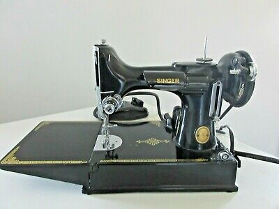 Vintage 1952 SINGER FEATHERWEIGHT 221 sewing machine w/case, accessories