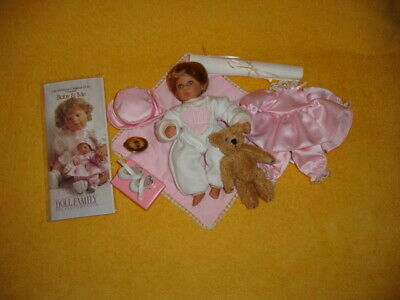 "Lee Middleton 2002 (Baby & Me 8"" inch tall Baby Doll) with all Accessories."