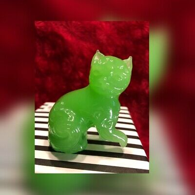 Vintage Hand Carved Stone Jade Temple Cat Foo Dog Figure Asian Sculpture Kitty