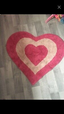 Two Pairs Of Girls Curtains And Two Love Heart Rugs To Match.