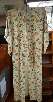 Fab Cream Floral Patterned Silk Vintage Japanese Full Length Kimono