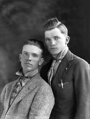 Vintage Photo 1910s-1920s Cute Affectionate Guys Couple Gay Int