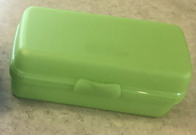 Tupperware Sandwich Keeper Rectangle Rectangular Sub Style Hinged Green New