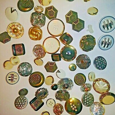 Buttons Mixed Lot of Vintage gold silver bronze plastic a18