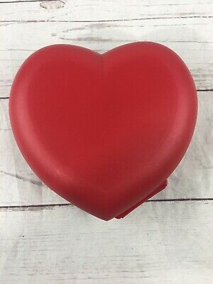 Tupperware Valentine's Heart Keeper Hinged One-Piece Container Red Sandwich