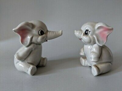 Vintage Japan Elephant Salt And Pepper Shakers   B.1