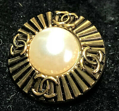 "Chanel CC Logo Vtg Gold Auth Pearl Center 23 mm 7/8"" Stamped"