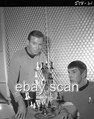 Leonard Nimoy William Shatner  Star Trek  8X10 Photo 21-2