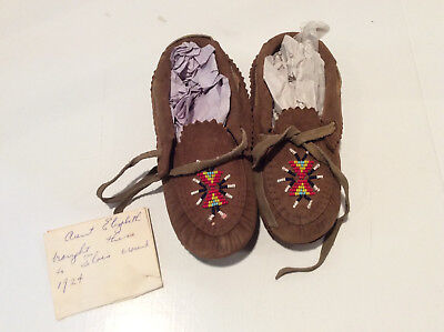"""Antique Native American Childrens  Leather Beaded Moccasins Brown Shoes 7"""""""