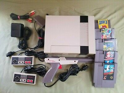 Nintendo NES Console Video Game System Complete w/ 5 Games