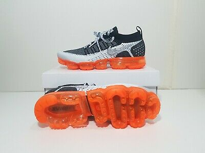Nike Air Vapormax Flyknit 2  Men's Size 10 Black Orange  942842 106 with flaw
