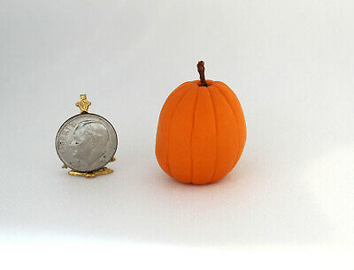 Dollhouse Miniature Handcrafted Pumpkin Pod People on Leaves by Wilhelmina