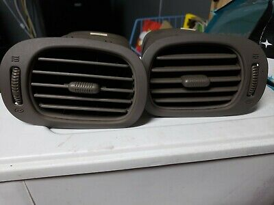 2003 DODGE CARAVAN DASH AIR HEATER VENT RIGHT PASSENGER  RIGHT SIDE Gray OEM