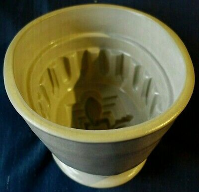 Antique Victorian Gothic Revival Stoneware Jelly Mould Size 7. Perfect Condition