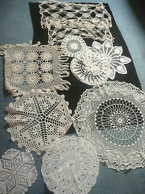 1 Lot De 10 Anciens Napperons Differents Au Crochet / Decors Differents