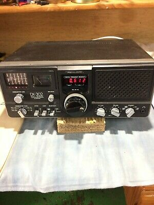 communications Receiver . Realistic  DX 302.