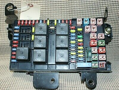 02 Ford F250/350/450/550 INTERIOR FUSE PANEL  BOX RELAY MODULE 2C7T-14A067-AP