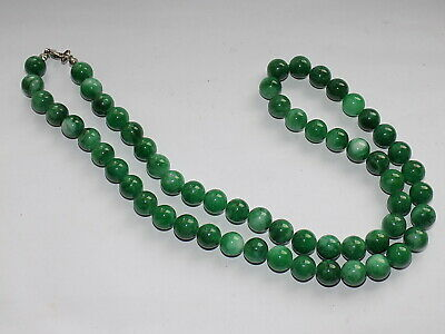 CHINESE HAND CARVED APPLE GREEN JADE BEAD NECKLACE 87.8 gm 64 cm length