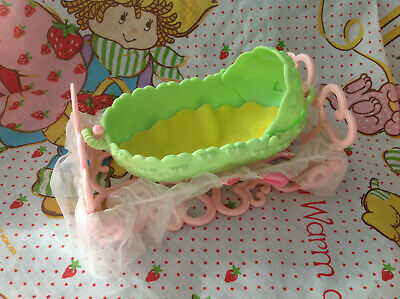 Strawberry Shortcake BERRY BABY Bassinet 1984