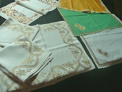 1 Lot De 7 Anciens Grands Napperons Brodes Differents Avec  Decors Differents