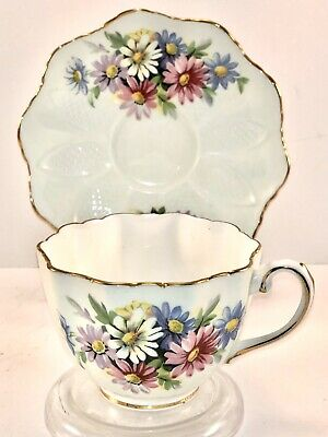 Paragon Fine Bone China Teacup And Saucer Ivory With Daisies