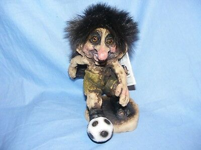 Ny Form Nyform Troll Footballer Norway Collectable Norwegian T277