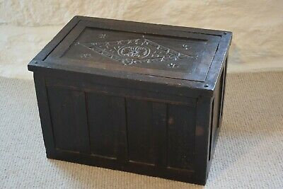 17th Century Oak Box with Carved Panel Lid, Antique Oak Small Storage Box, Panel