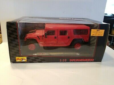 Maisto Diecast Hummer Station Wagon 1:18 Scale - Red