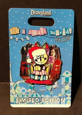 Disney Parks Disneyland It's A Small World 2017 Holiday Pin LE 3000 NEW ON CARD