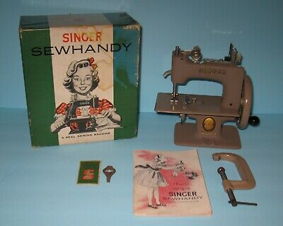Singer Sewhandy Model No. 20 & Box Sewing Machine Toy Child 1950s FREE SHIPPING