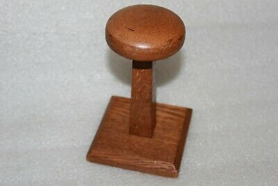 Arts & Crafts Light Oak Short Treen Wig / Hat Stand Shop Display (Lot 8 )