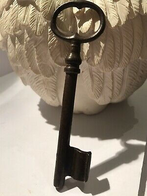 Victorian wire bow key 11 Cm Lock ,box,Vintage Collectable Keys,. Jewellery