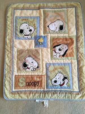 "Baby Snoopy ""Peek-a-Boo"" Crib Quilt By Lambs & Ivy 2010"