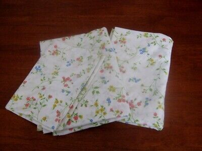2 Vintage Flat Sheets/Fabric & Pillowcase ~ Small Floral ~ Cotton ~ Single Bed