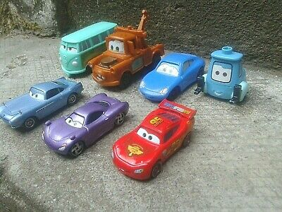 Lot 7 voitures miniatures CARS Flash MC Queen and other , Disney Pixar  / Toys
