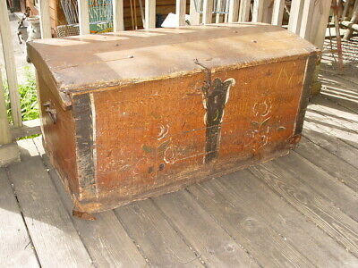 Wonderful 19th c. Scandinavian Painted Pine Trunk / Chest Dated 1873