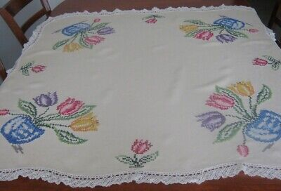 Vintage Hand Embroidered Tablecloth ~ Tulips ~ Lace Edged ~ Cream ~ Linen