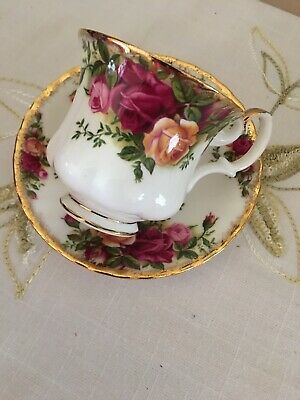 Royal Albert Old Country Roses Tea Cup and Saucer Bone China England