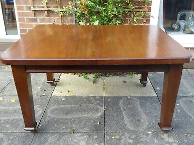Beautiful Antique Solid Mahogany Extendable Dining Table