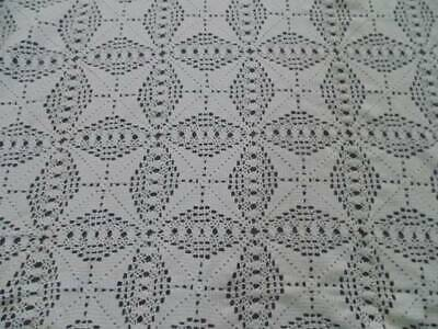 """Vintage 85"""" x 100"""" White Tablecloth / Bedspread Hand Crochet 4 Point Star CLEAN"""