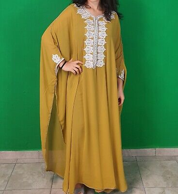 Traditional Arab dresses tailored by SaraSarta