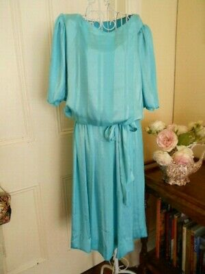 VINTAGE 1980's  SHORT SLEEVED AQUA COLOUR DRESS