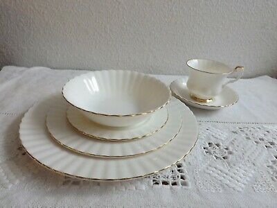 Royal Albert Bone China Val D'or 6 Pc Place Setting With Bowl 4 Available