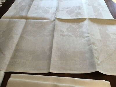 6 Vintage White Damask Serviettes Unused