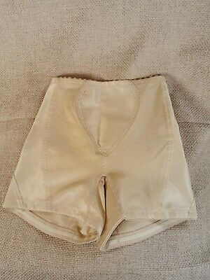 Vtg Style Long Shorts Nude/ Gold By St Michael Size Xs # 403
