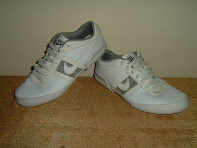 Nike mens ladies older boys girls part leather trainers shoes size 4