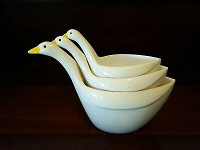 Vintage Measuring Cups x 3 Swan Goose Ducks Mid Century Early Plastic