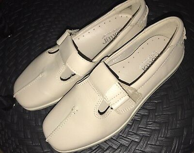 HOTTER T Bar Sunrise Comfort Shoes Size UK 3 EUR 36 EXF Wide Cream NEW